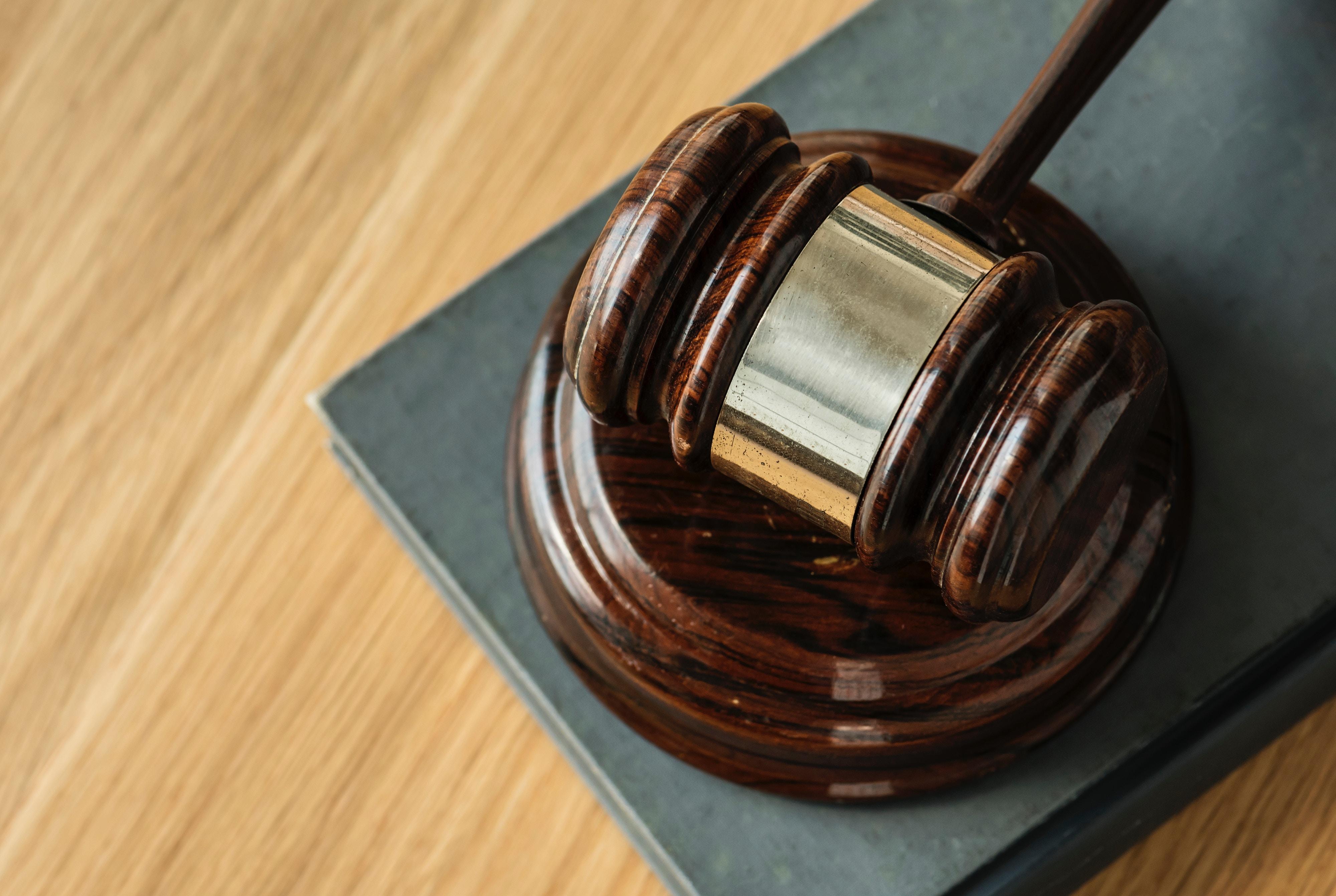 marteau, abus de droit